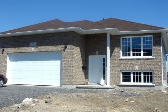 Amberlane homes kingston ontario for Maplewood custom homes